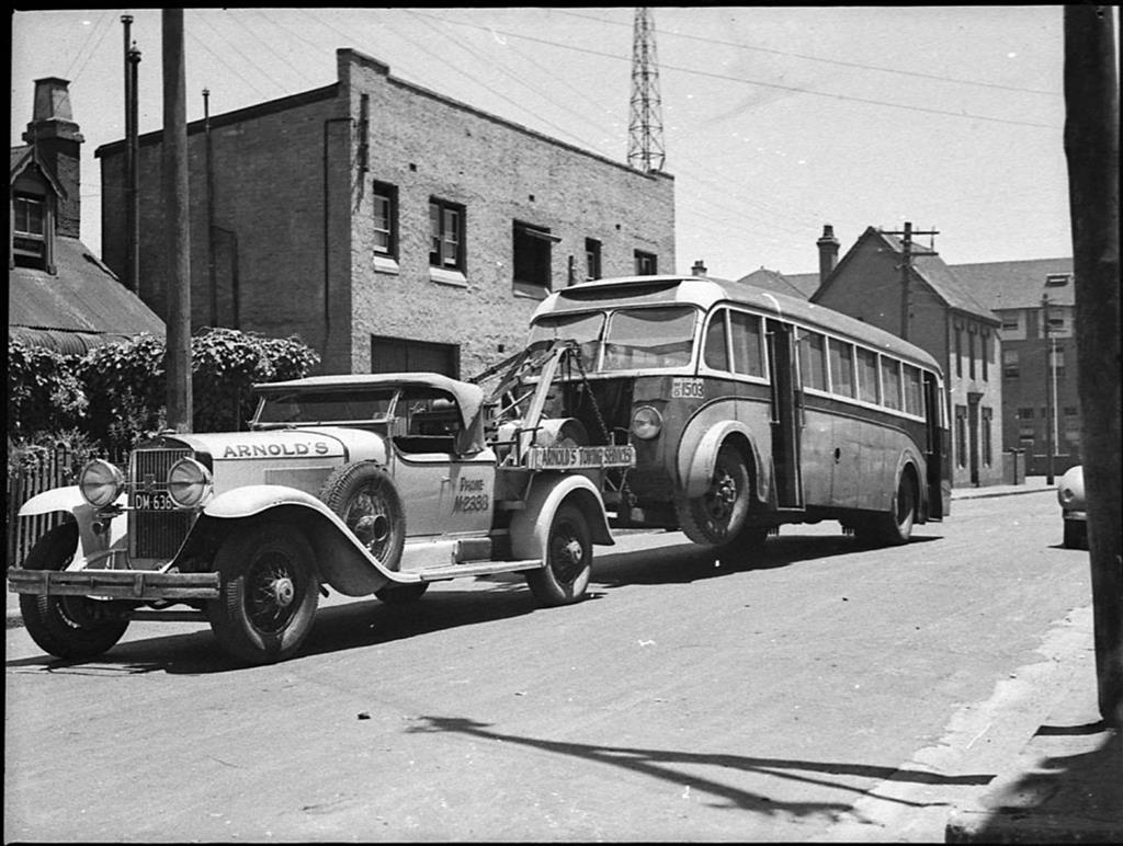 1929-cadillac-tow-truck